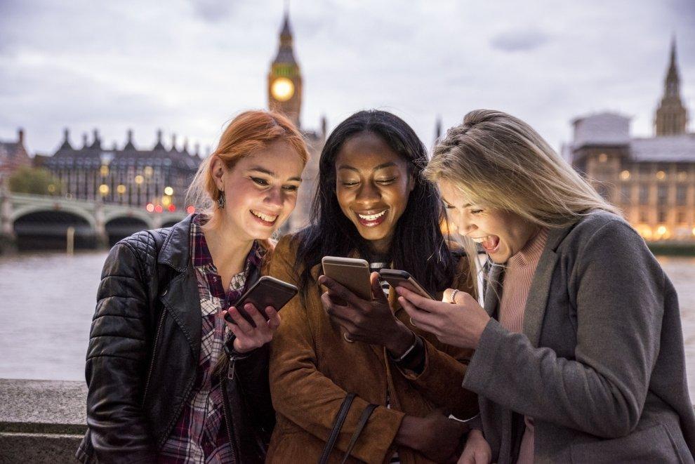 Skapa engagemang med SMS till kunder genom LINK Conversations